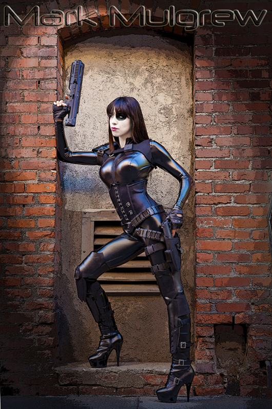 Domino-Cosplay-Fireball_Tim3